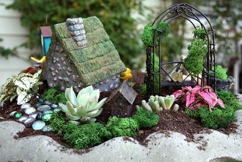 Gnome In Garden: Fairy/Mini Gardens Class: Kid Friendly